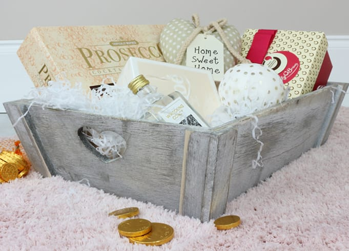 Whitewash Wooden Vintage Style Heart Tray