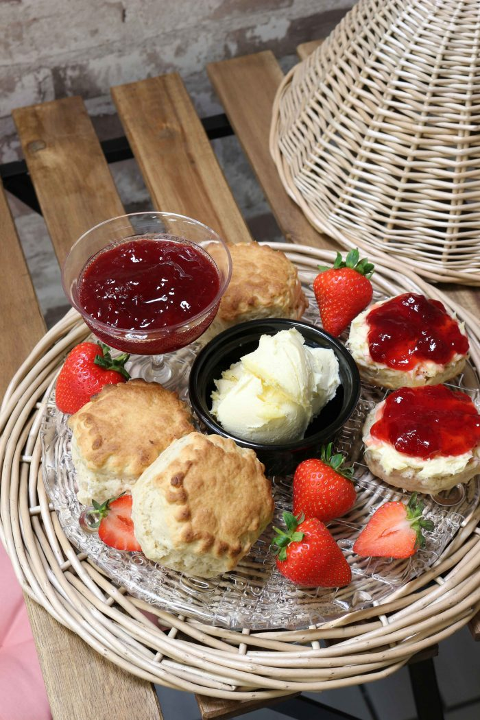 English Summer | Scones | The Basket Company