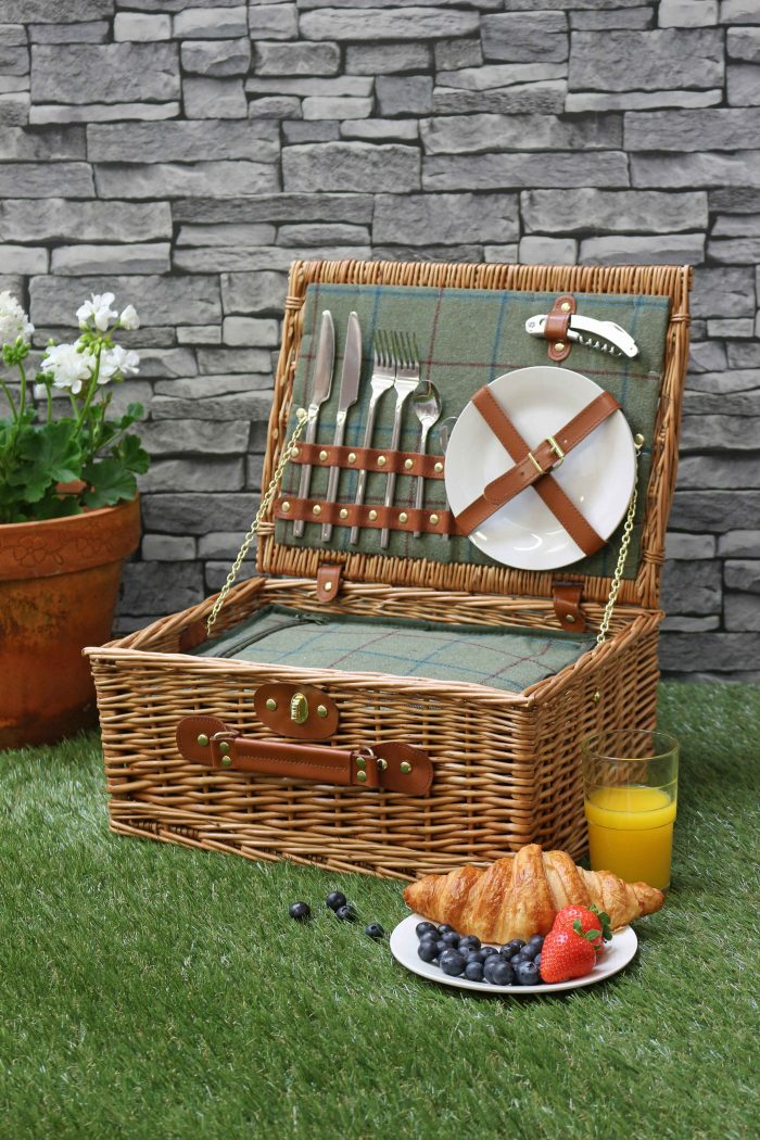 Luxury Tweed 2 Person Picnic Hamper