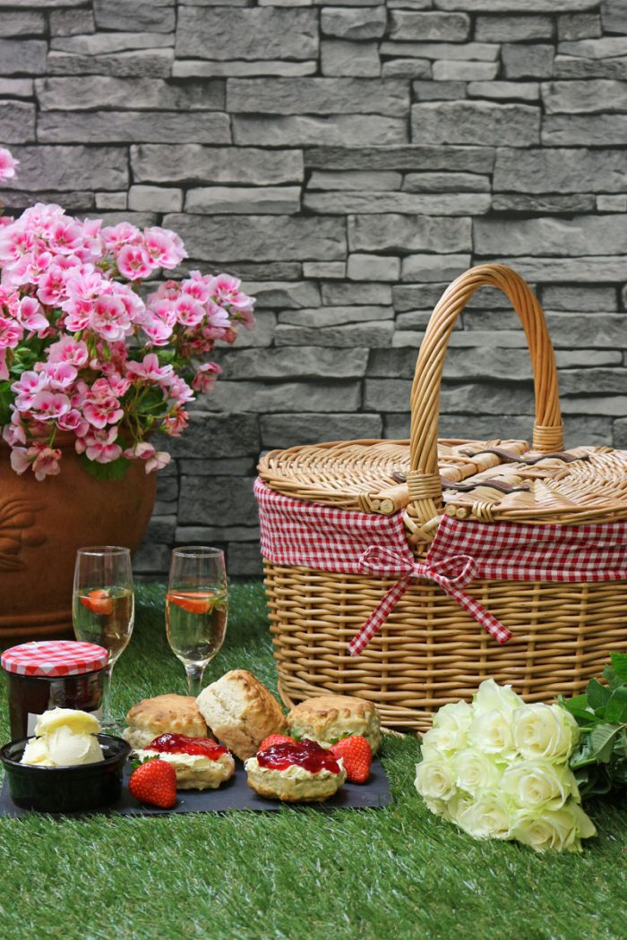 Oval Lidded Wicker Picnic Basket Red Check